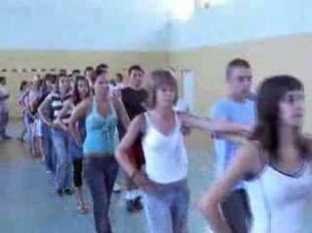 Próba poloneza - Bal z okazji zakończenia Gimnazjum (2007)
